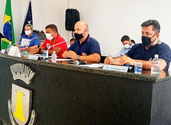 Câmara Municipal de Almenara promove debate entre comerciantes, representantes do Poder Executivo e PM sobre o Decreto da Onda Roxa