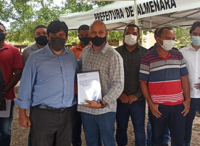 Nata da CDN participa de cerimônia de recebimento de R$ 2 milhões para obras na MG-406