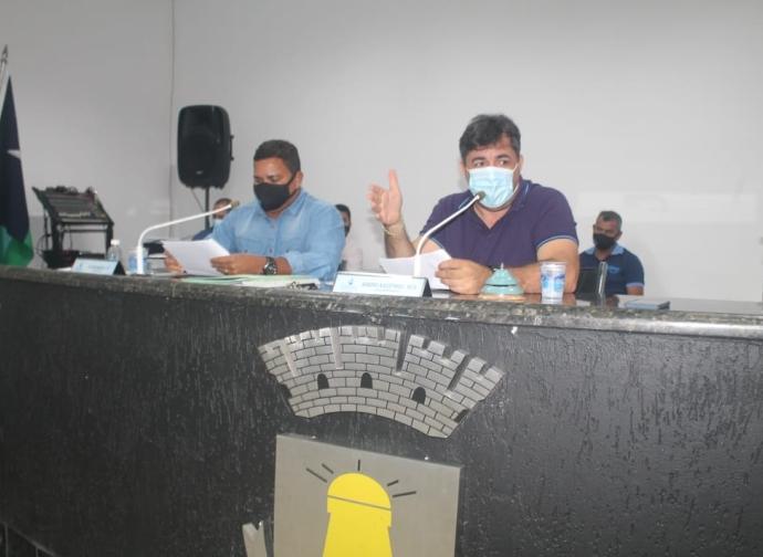 Câmara Municipal de Almenara realiza a décima quinta Reunião Ordinária do ano 2021
